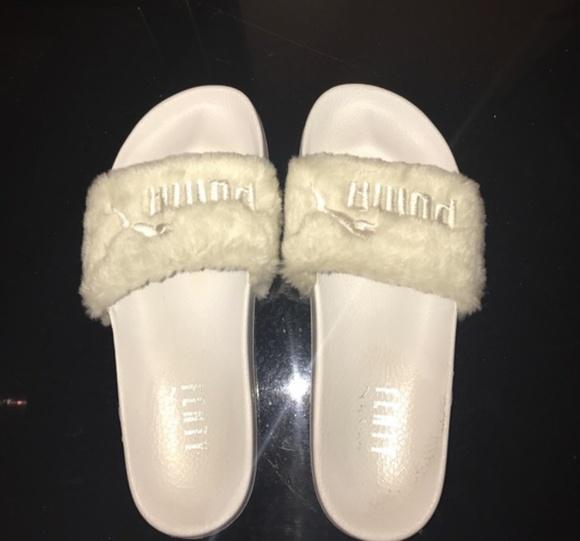 quality design 71dc1 5c5a6 Puma by Rihanna Fenty Faux Fur Slides
